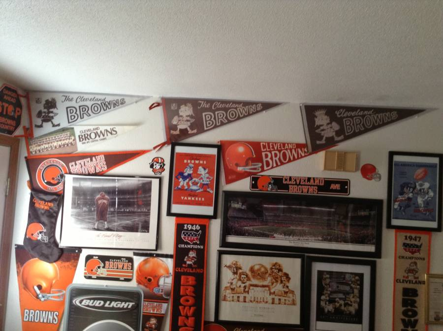 6a08d153 Brownscollector78 Cleveland Browns Collection - Browns Memorabilia Room